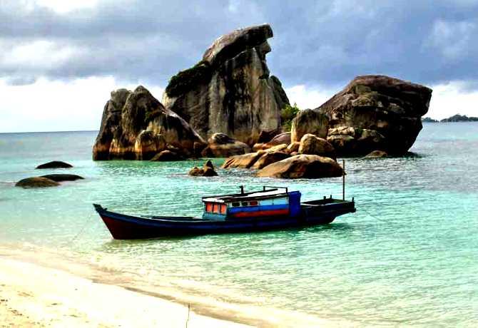 Wisata Bahari Bangka Belitung