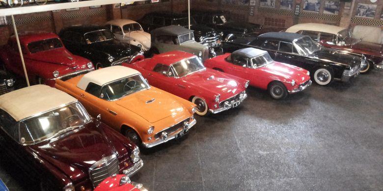 kolektor mobil tua